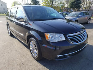 2011 Chrysler Town & Country LIMITED DUAL DVD