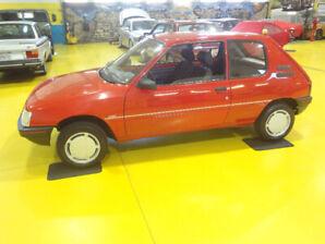 Peugeot 205 . 1991 Presque Neuve