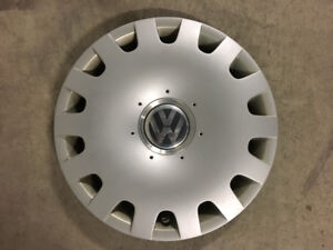 1 ENJOLIVEUR ORIGINAL VOLKSWAGEN 15po