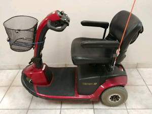 Victory 10 Scooter 3 Wheels Very Good Condition