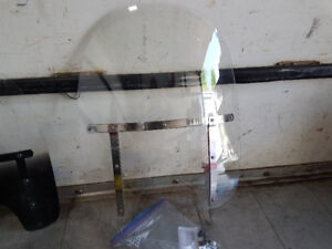 2002 fatboy removable  windshield with hardware