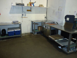5 Stainless Steel Tables