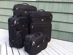 SAMSONITE 4 PIECE LUGGAGE SET
