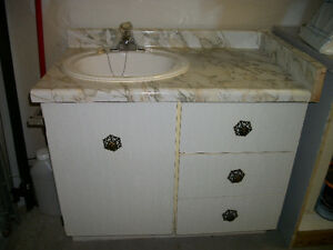 """36"""" VANITY WITH COUNTER, SINK AND TAPS"""