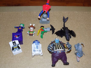 7 MIXED TOYS, SPAWN CLOWN, TOOTHLESS, LEGO JOKER & ROBIN, R2-D2