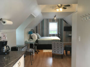 Studio apartment with kitchenette, minutes to Charlottetown