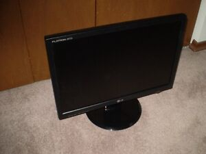 "LG FLATRON 20"" WIDESCREEN LCD Good Working Order + Condition"