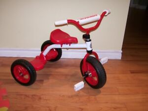FOR SALE: KIDS TRICYCLE