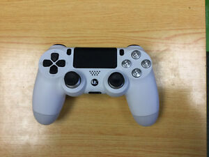 Custom PS4 and Xbox One Controllers