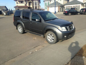 2008 Nissan Pathfinder SE SUV, Crossover PRICED TO SELL
