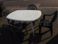 Garden table and 4 chairs/ FREE DELIVERY