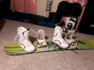 REDUCED 151 Sims Essence snowboard with Firefly boots & bindings