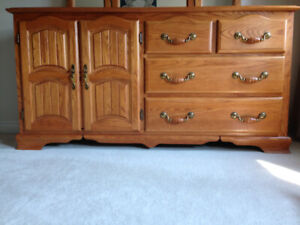 ** GREAT NEW PRICE ** ANTIQUE SOLID OAK Shermag Bedroom Dresser