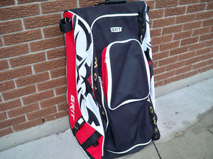 GRIT TOWER HOCKEY BAG ON WHEELS SIZE 36 INCH
