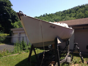 Duel axle boat trailer, comes with boat!