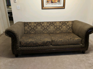 Sofa loveseat and 2 Arm Chairs in very good condition