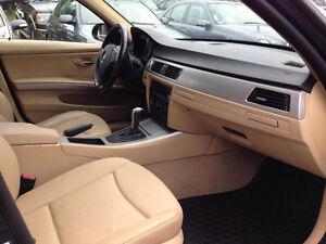 2006 BMW 3-Series 323i Sedan (Blue/ Beige Leather Interior)