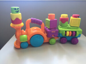 Jouet Fisher Price Stack N Surprise Train