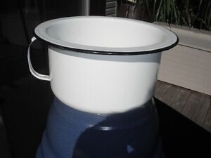 Chamber Pot - Vintage Antique Enamel Chamber Pot/Planter GSW Kingston Kingston Area image 2