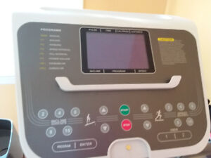 Treadmill Nothern Lights, very good condition,more than 75% off
