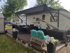 2015 Forest River  30'  Trailer REDUCED AGAIN