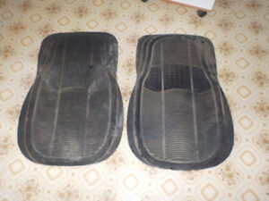 Rubber Car Carpets in GOOD condition