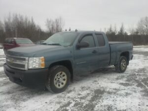 2010 CHEVROLET 1500 !! ONLY 108000 KMS !! NEW M.V.I. !!