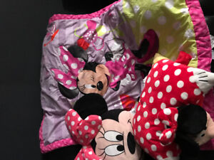 Mini Mouse Toddler Comforter set