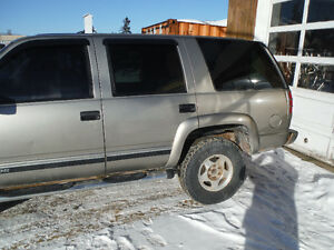 2000 Chevrolet Tahoe Z 71 SUV MUST GO BOUGHT TRUCK