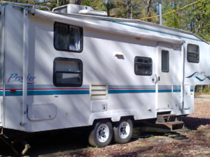 Roulotte fifth wheel prowler