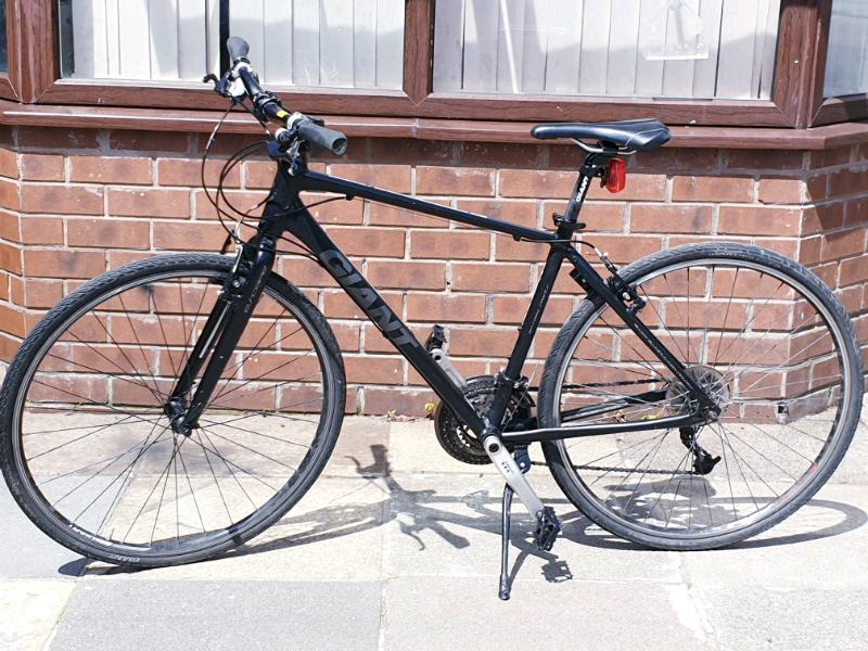 Giant hybrid Bike | in Oldham, Manchester | Gumtree