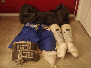 Men's hockey equipment & bag. $40