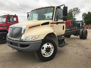 2009 International 4300 Cab & Chassis