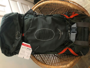 Osprey Atmos AG 65 backpack - never been used, still has tags