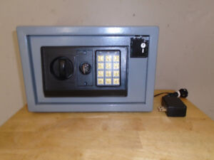 ELECTRONIC COMBINATION SAFE FOR SALE