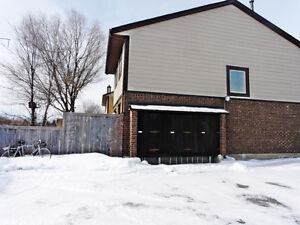 3 Beds 3 Baths with extra basement bedroom near Costco