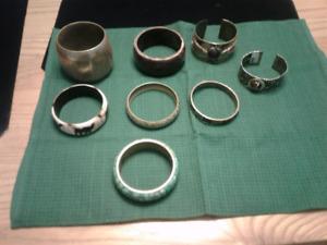 Lot de 8 bracelets différents modèles