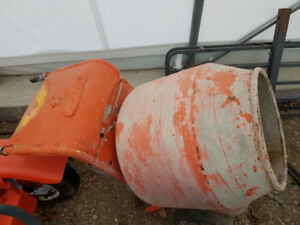 For Sale Electric Cement Mixer   $150  obo