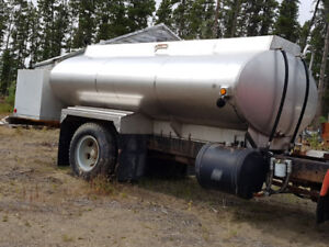 8,000 litre stainless steel tank