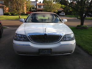 2003 Lincoln Town Car Sedan Cartier