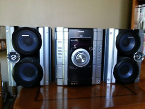 Sony 3 Disk changer Stereo System with remote