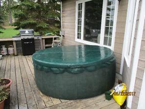 6-man softub hot tub