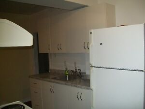 4 bedroom close to downtown London Ontario image 5