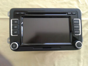 OEM RADIO CD PLAYER FRO 2015 TIQUAN  NEVER USED