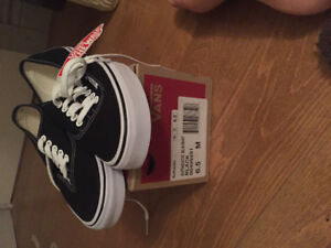 VANS BRAND NEW NEVER WORN