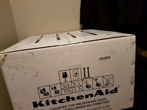 Brand new microwave oven kitchen aid