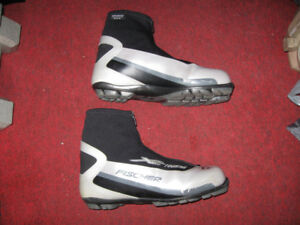 Fischer Cross Country Ski Boots Classic XC Touring Bottes