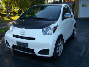 2012 Scion iQ Coupé (2 portes)