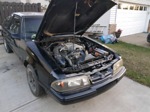 1993 mustang lx 5.0    5 speed