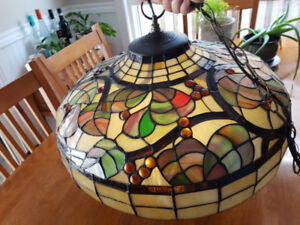 Tiffany lamp. Gorgeous!